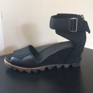 Sorel black wedges- worn twice!
